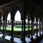 13世紀のゴシックの回廊