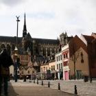 運河の方から見た大聖堂