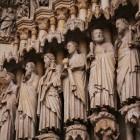 ノートルダム大聖堂のレリーフ