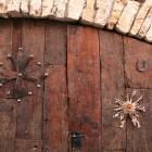 独特なドアの飾り