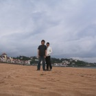 砂浜にカメラを置いて