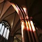 ステンドグラスの光