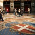 床のモザイク画もきれい