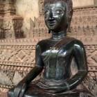 パケオの仏像