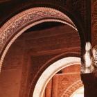 門の装飾がきれい