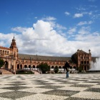 綺麗な石畳とサン・テルモ宮殿