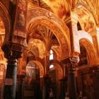 イスラム教の建築にキリスト教のプレスコ画