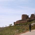 風車の間にお城が立っているのが特徴