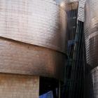 展示している作品より建物の印象が強すぎる