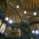 さまざまな宗教に利用された建物