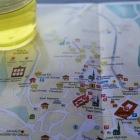 サフラン茶と町のマップ