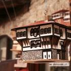 小さい家の模型もお土産の定番