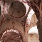 野外博物館の洞窟教会