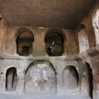 洞窟を掘って作られた教会